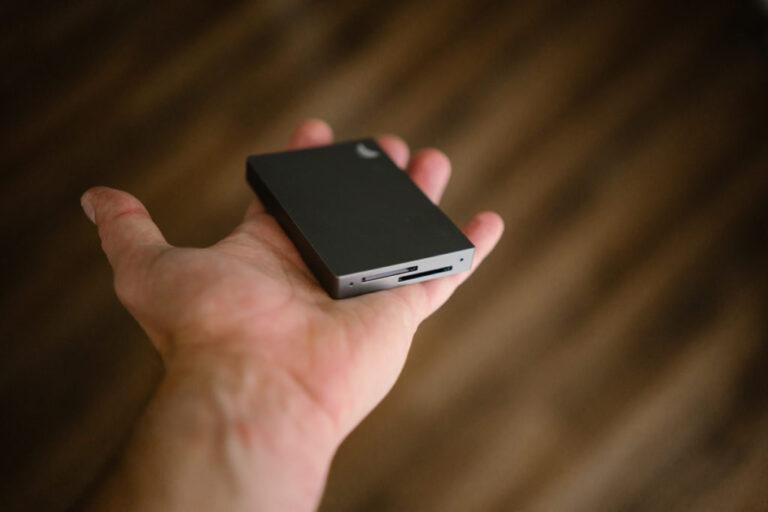 Angelbird Dual Card Reader 1